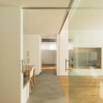 puerta vidrio separador cocina salon